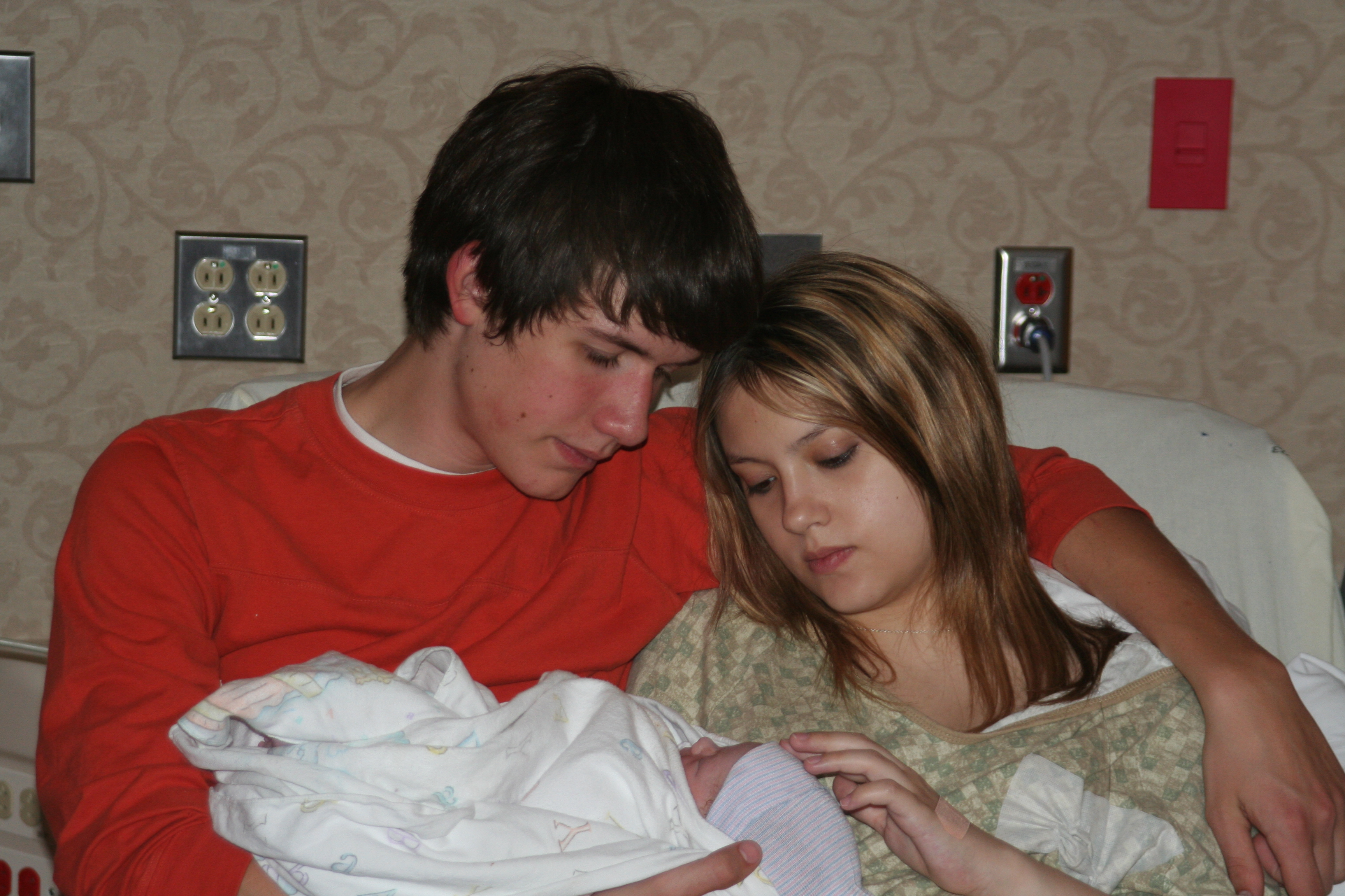 teenage pregnance For many teenagers, pregnancy is an unplanned and challenging life event -- and one that can reroute their entire life course in addition to the.